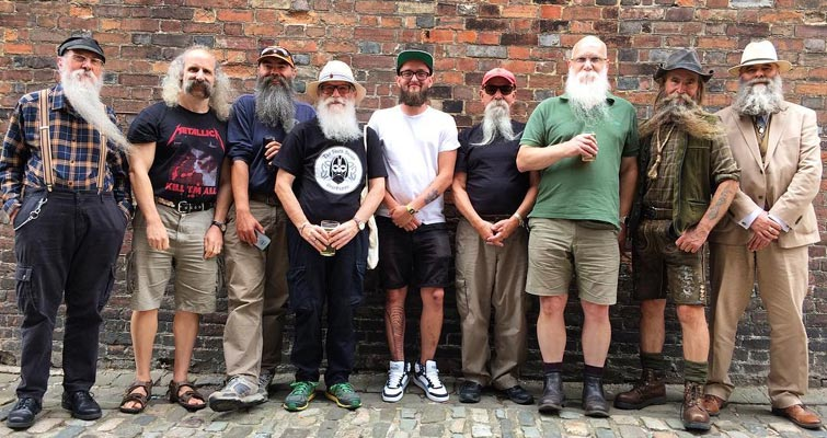 The South Saxon Beardsmen plus Jack-in-the-middle - now a new member - at The Gardeners Arms, Cliffe, East Sussex on the 11th August 2018